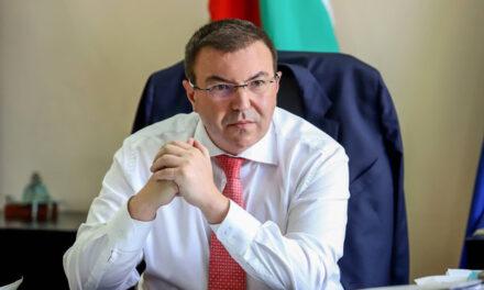 Лично от здравния министър: Очакват ни тежки зимни месеци и рискът здравната система да не издържи е реален