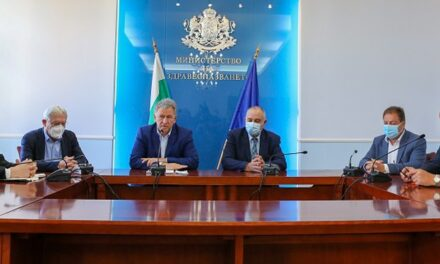 Д-р Стойчо Кацаров предлага промяна на модела на здравната система и НРД